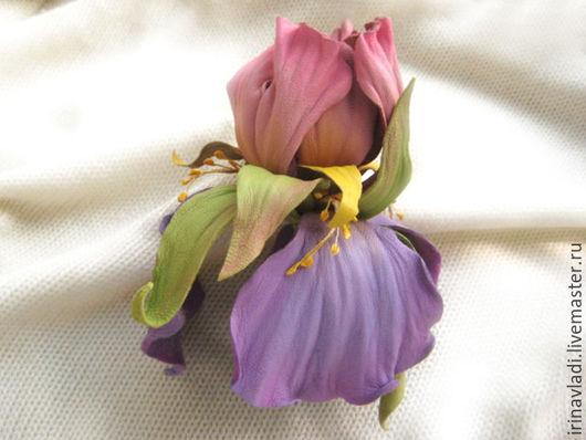 цветы из кожи,розово-сиреневый ирис цветок,брошь,заколка,ободок,браслет,украшение из кожи цветы, брошка розовый ирис,сиреневый ирис заколка для волос