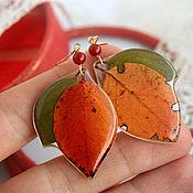 """Украшения ручной работы. Ярмарка Мастеров - ручная работа Серьги """"Яблочный цвет""""с настоящими листьями в ювелирной смоле. Handmade."""