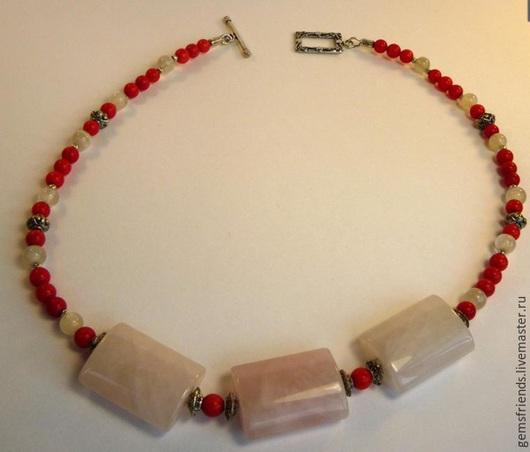 Колье, бусы ручной работы. Ярмарка Мастеров - ручная работа. Купить Ожерелье из розового кварца и коралла. Handmade. Ожерелье из коралла