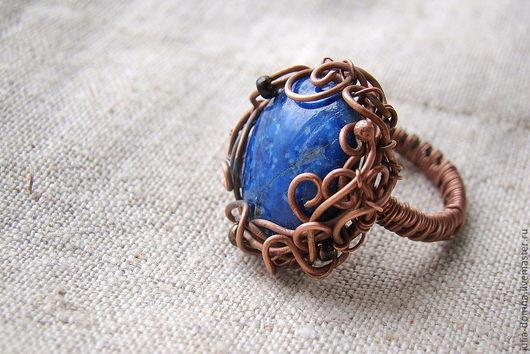 кольцо синее с лазуритом В Глубине