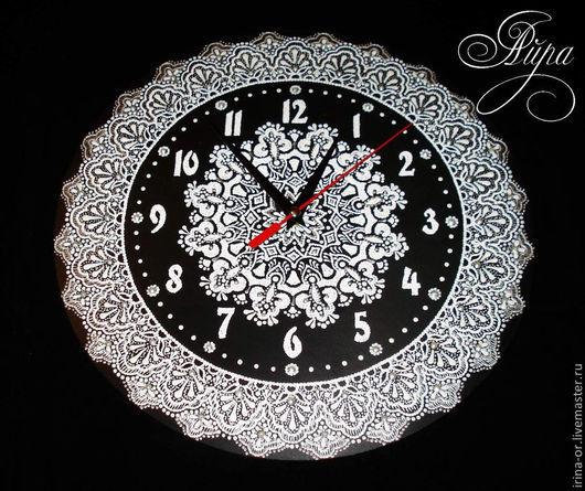 """Часы для дома ручной работы. Ярмарка Мастеров - ручная работа. Купить Часы """"Белоснежка"""". Точечная роспись. Handmade. Чёрно-белый"""