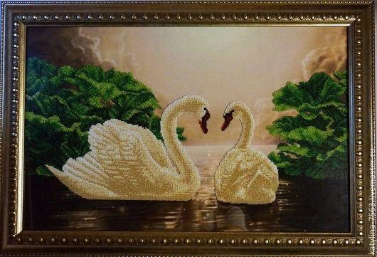 """Животные ручной работы. Ярмарка Мастеров - ручная работа. Купить картина"""" Лебединая верность"""". Handmade. Зеленый, верность, Вышивка бисером"""