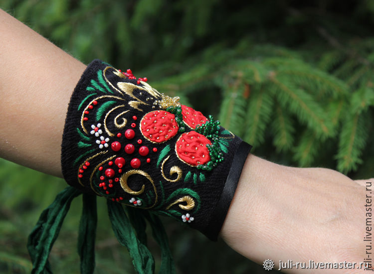 Cuff bracelet of textile embroidered with Swirling curlicues, Cuff bracelet, Chelyabinsk,  Фото №1