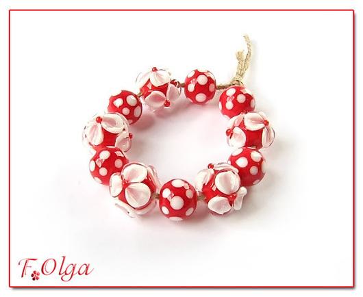 Для украшений ручной работы. Ярмарка Мастеров - ручная работа. Купить бусины лэмпворк (цветы и точки белые на красном). Handmade.
