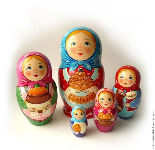 Матрёшка 5 местная `Валя`  Порадует своим настроением как взрослого, так и ребёнка.