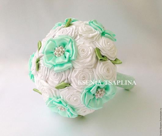 Свадебные цветы ручной работы. Ярмарка Мастеров - ручная работа. Купить Брошь букет дублер из белого и мятного цвета. Handmade.