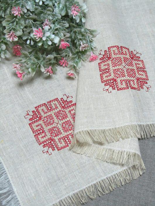Салфетка с вышивкой
