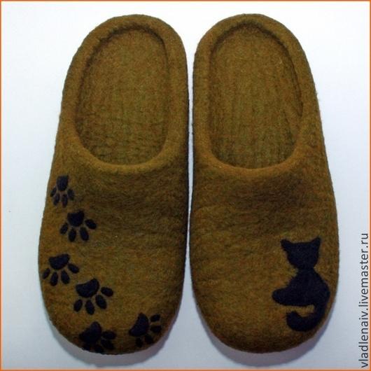 """Обувь ручной работы. Ярмарка Мастеров - ручная работа. Купить Тапочки  из шерсти """"Следы"""". Handmade. Обувь ручной работы"""