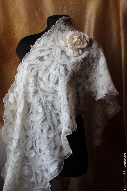 Шали, палантины ручной работы. Ярмарка Мастеров - ручная работа. Купить Валяный палантин Нежная зима. Handmade. Орнамент
