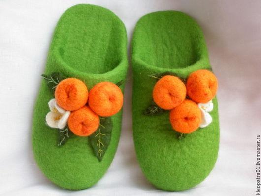 Обувь ручной работы. Ярмарка Мастеров - ручная работа. Купить тапочки женские Мандаринки- Клементинки. Handmade. Зеленый, подарок девушке
