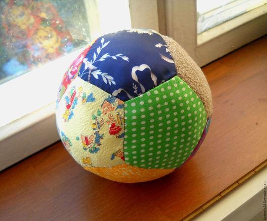 Большой мячик диаметром 17 см - 600 руб
