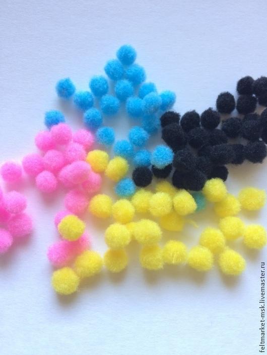 Набор помпонов 6 мм из фетра (6 цветов) Стоимость набора 8 руб. В наборе 10 шт. помпонов одного цвета.