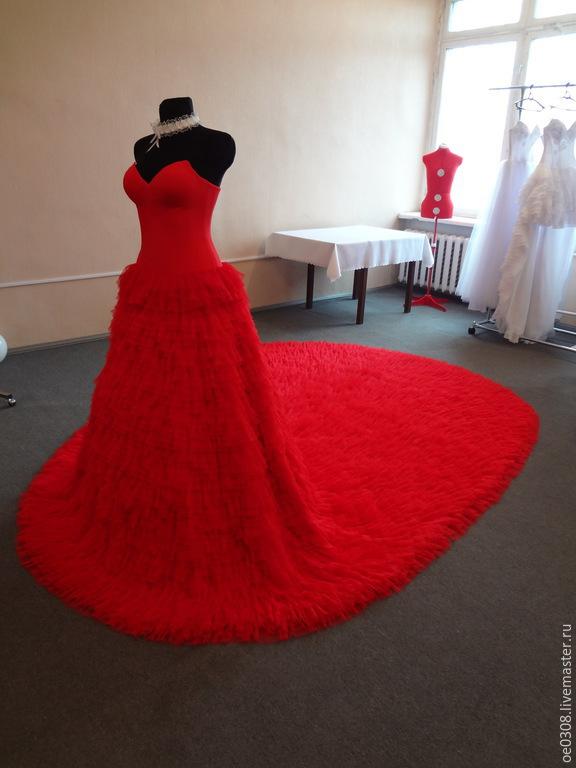 037d9a03539842d Ярмарка Мастеров - ручная работа. Купить Красное свадебное платье · Одежда  и аксессуары ручной работы. Красное свадебное платье на корсете.