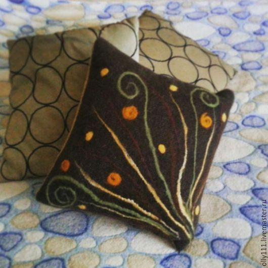 """Текстиль, ковры ручной работы. Ярмарка Мастеров - ручная работа. Купить Интерьерная войлочная подушка """" Дикие травы"""". Handmade."""