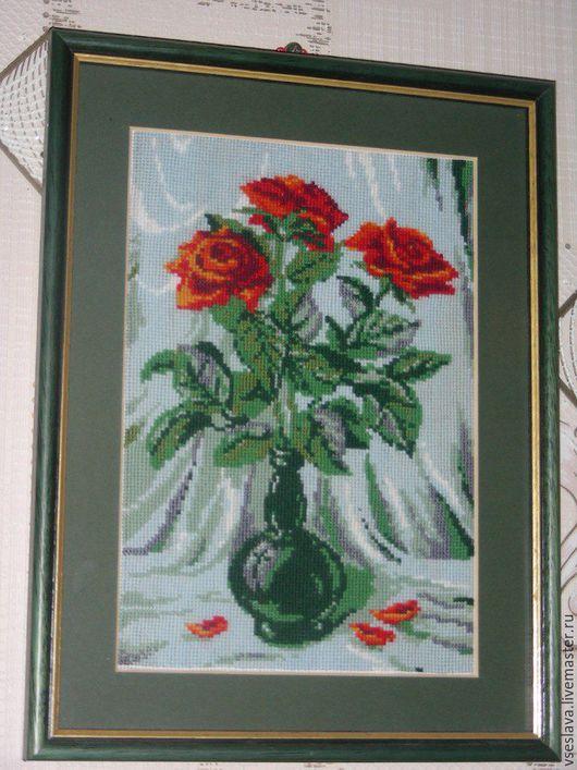 Вышивка розы в вазе