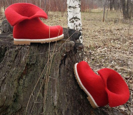 Обувь ручной работы. Ярмарка Мастеров - ручная работа. Купить валенки. Handmade. Ярко-красный, шерсть 100%