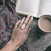 Серебряное кольцо с розовым кварцем - 25х18мм