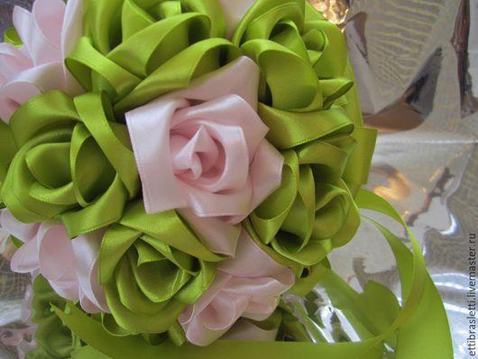 Свадебные цветы ручной работы. Ярмарка Мастеров - ручная работа. Купить Букет Салатовая нежность. Handmade. Салатовый, атласные ленты