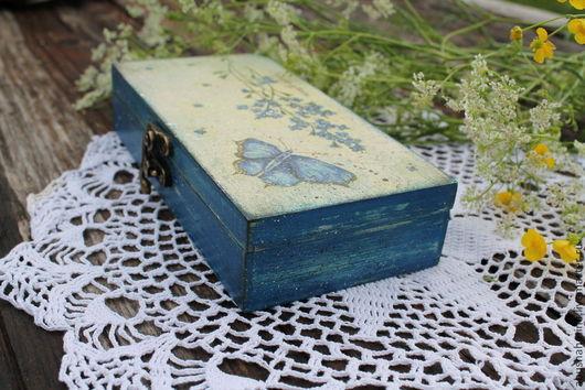 шкатулка лето в деревне, летний,дача,дачный, синие цветы, купюрница, шкатулка декупаж, бабочка память, на память, бабочки