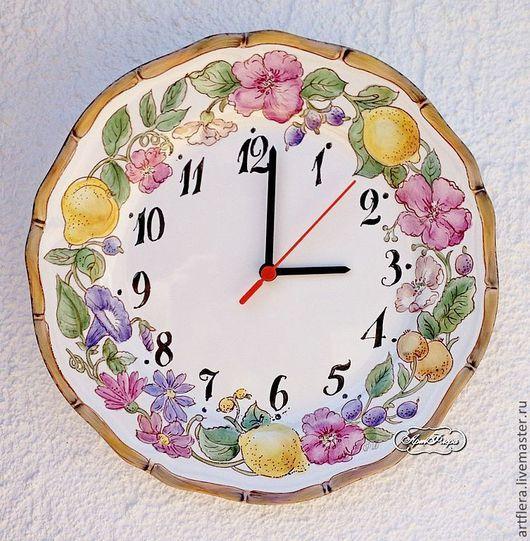 Часы для дома ручной работы. Ярмарка Мастеров - ручная работа. Купить Роспись фарфора Часы Фрукты и цветы. Handmade. Часы
