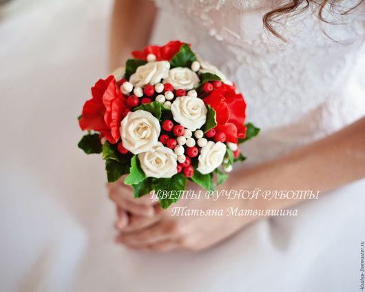 Свадебные цветы ручной работы. Ярмарка Мастеров - ручная работа. Купить Букет (маки, розы, ягоды). Handmade. Ярко-красный