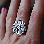 Украшения ручной работы. Ярмарка Мастеров - ручная работа 18 цветок лунных камней кольцо серебряное. Handmade.