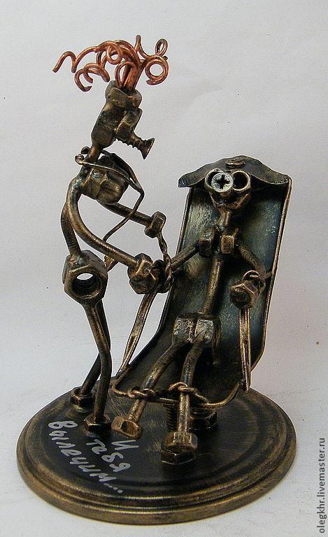 Миниатюрные модели ручной работы. Ярмарка Мастеров - ручная работа. Купить У психиатра. Handmade. Сувенир из гаек, подарок для психиатра