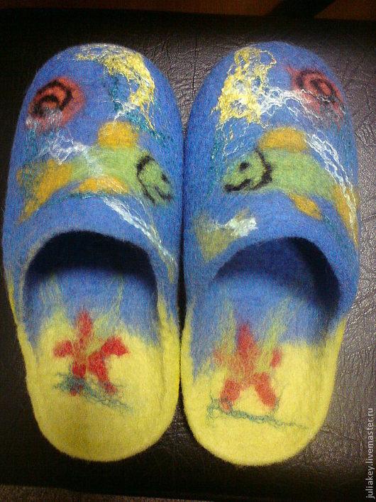 Обувь ручной работы. Ярмарка Мастеров - ручная работа. Купить тапочки валяные Приплыла ко мне рыбка. Handmade.