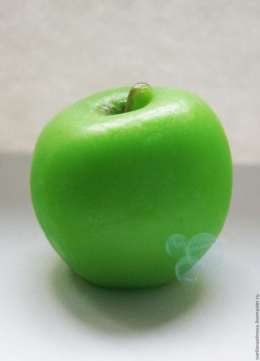 Мыло ручной работы. Ярмарка Мастеров - ручная работа. Купить Яблоко. Handmade. Яблоко, фрукт, мыло в подарок, масла базовые
