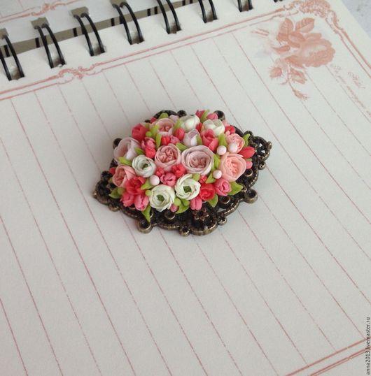 """Броши ручной работы. Ярмарка Мастеров - ручная работа. Купить Брошь """"Классика"""". Handmade. Кремовый, мелкие цветочки, подарок девушке"""