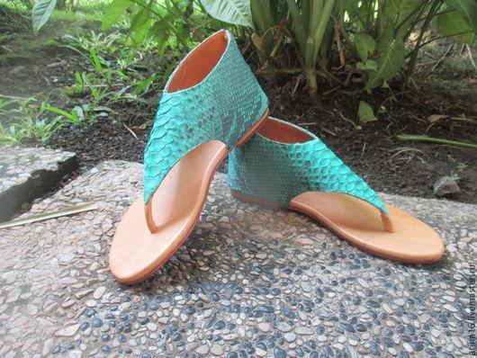 Обувь ручной работы. Ярмарка Мастеров - ручная работа. Купить сандали из питона изумрудные. Handmade. Сандалии из кожи, босоножки из питона