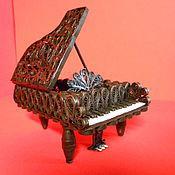 Подарки к праздникам ручной работы. Ярмарка Мастеров - ручная работа Рояль из квиллинга. Handmade.