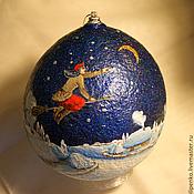 """Елочные игрушки ручной работы. Ярмарка Мастеров - ручная работа Новогодний шар """"Ночь перед Рождеством. Полёт Солохи"""". Handmade."""