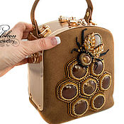 Сумки и аксессуары handmade. Livemaster - original item Handbag honey with bee and honeycombs. Handmade.