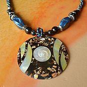 Колье ручной работы. Ярмарка Мастеров - ручная работа Ожерелье - кулон инкрустированное гелиотисом с перламутром и бусинами. Handmade.
