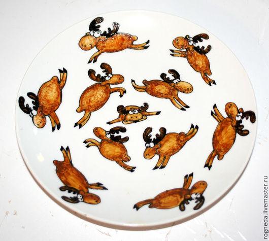 Декоративная посуда ручной работы. Ярмарка Мастеров - ручная работа. Купить Декоративная тарелка Лосики (0866). Handmade. Коричневый, животные