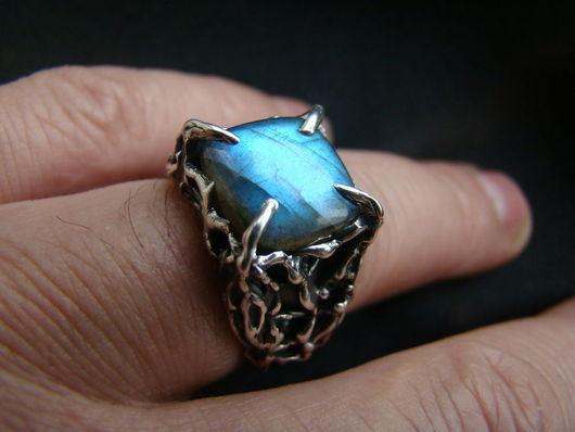 Кольца ручной работы. Ярмарка Мастеров - ручная работа. Купить Перстень. Handmade. Серебро, перстень, лабрадорит