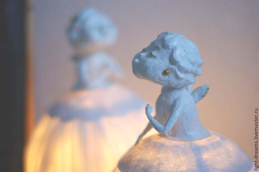 Светильник ручной работы из папье маше Поцелуйчик 2. Light Dreams.