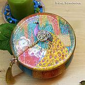 Для дома и интерьера handmade. Livemaster - original item peacock round jewelry box with a gold tassel. Handmade.