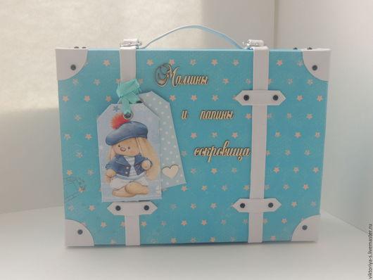 """Подарки для новорожденных, ручной работы. Ярмарка Мастеров - ручная работа. Купить Мамины сокровища """"Чемоданчик с секретом"""". Handmade. Мамины сокровища"""