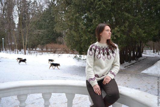 """Кофты и свитера ручной работы. Ярмарка Мастеров - ручная работа. Купить Свитер """"Жук-олень"""" в стиле Lopapeysa. Handmade. Белый"""
