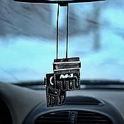 """Сувениры и подарки ручной работы. Ярмарка Мастеров - ручная работа Подвеска """"Перчатки М1"""" в машину. Handmade."""