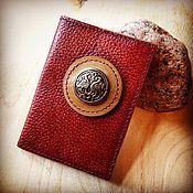 Канцелярские товары ручной работы. Ярмарка Мастеров - ручная работа обложка на паспорт кожаная с оберегом. Handmade.