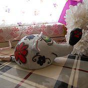 Куклы и игрушки ручной работы. Ярмарка Мастеров - ручная работа Крыска в цветочек. Грунтованная игрушка.. Handmade.