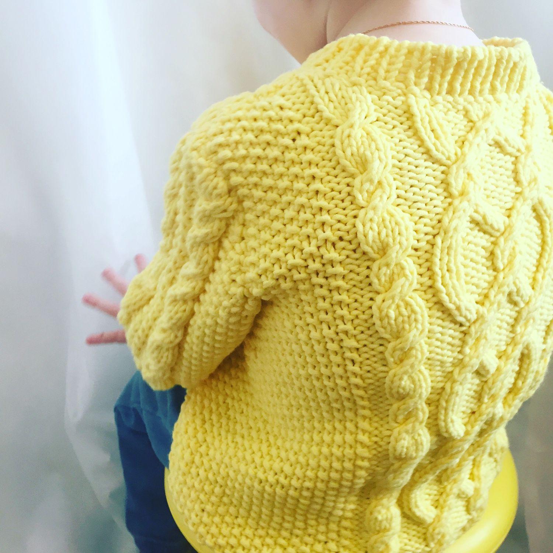 детский пуловер с косами для мальчика спицами