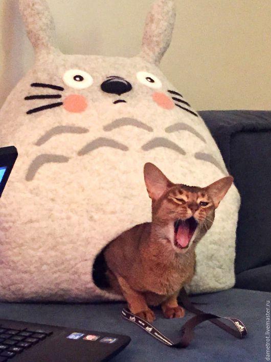 """Аксессуары для кошек, ручной работы. Ярмарка Мастеров - ручная работа. Купить Домик """"Тоторо"""". Handmade. Серый, валяный домик для кота"""
