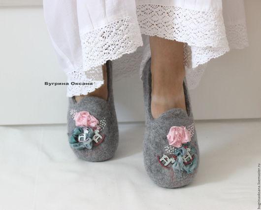 """Обувь ручной работы. Ярмарка Мастеров - ручная работа. Купить """"Доброе утро"""" лоферы валяные. Handmade. Серый, розовый цвет"""