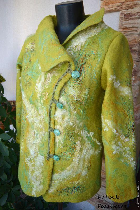 Верхняя одежда ручной работы. Ярмарка Мастеров - ручная работа. Купить Курточка  валяная. Handmade. Ярко-зелёный, шерсть 100%