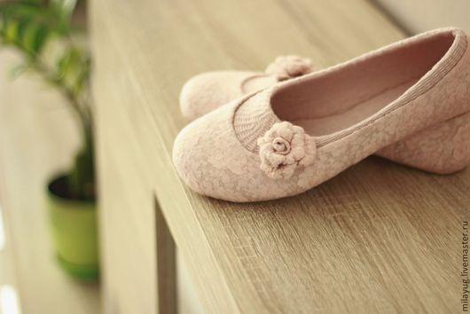 """Обувь ручной работы. Ярмарка Мастеров - ручная работа. Купить """"Танго"""" туфельки балетки валяные.. Handmade. Бледно-розовый, кремовый"""