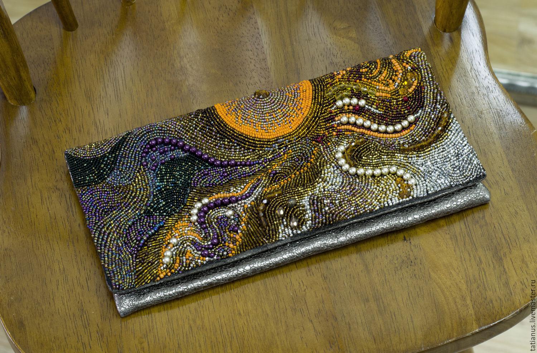 Сумка-клатч с вышивкой бисером 575
